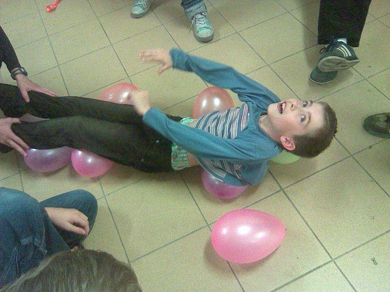 na balónech se moc pohodlně neleží.